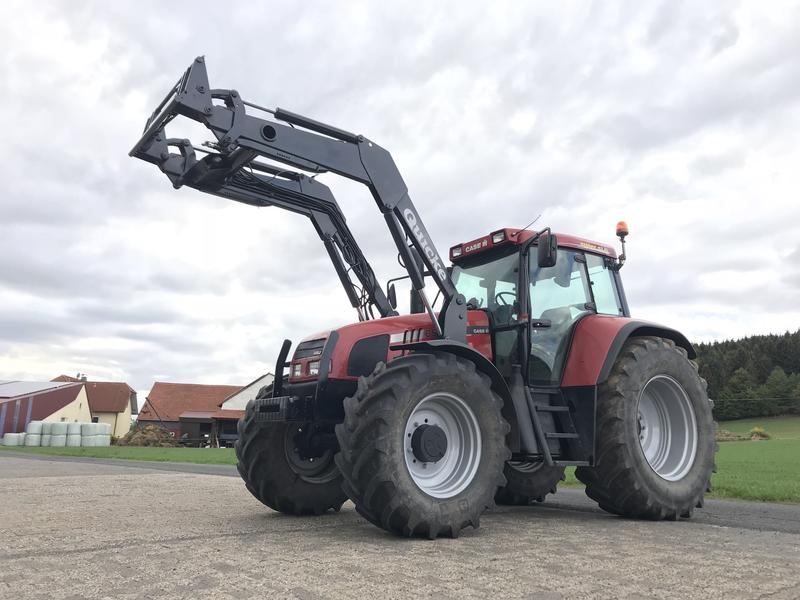 Case IH CS 120 SuperSix mit Frontlader