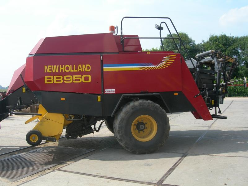 New Holland NH BB 950 PERS grote balen