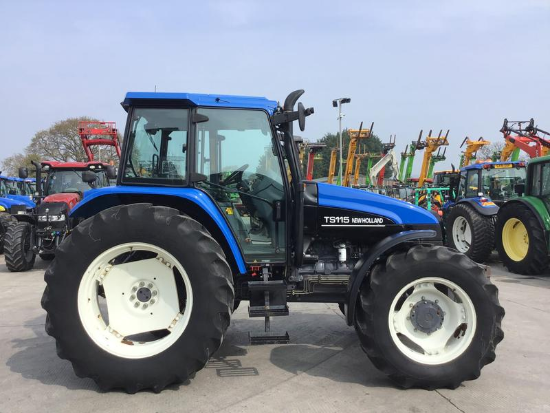 New Holland TS115 Tractor (ST2050)