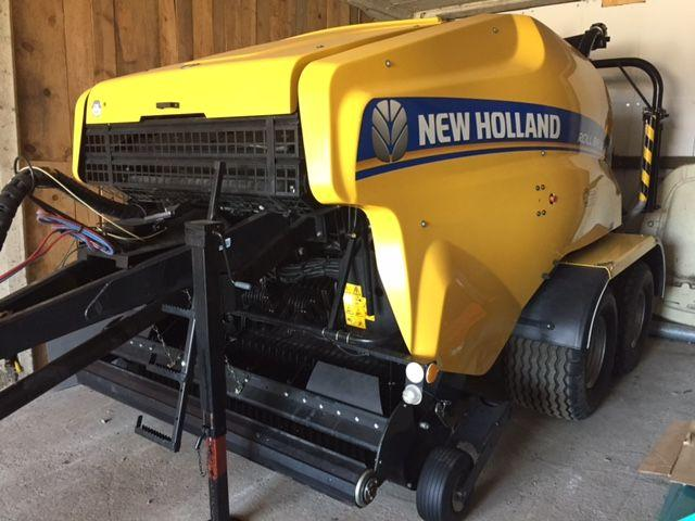 New Holland RB135