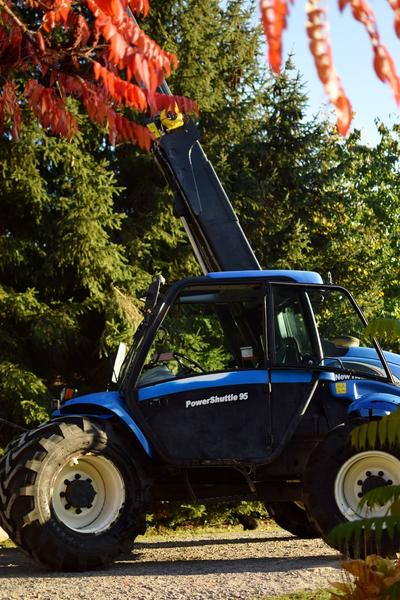 New Holland LM415A
