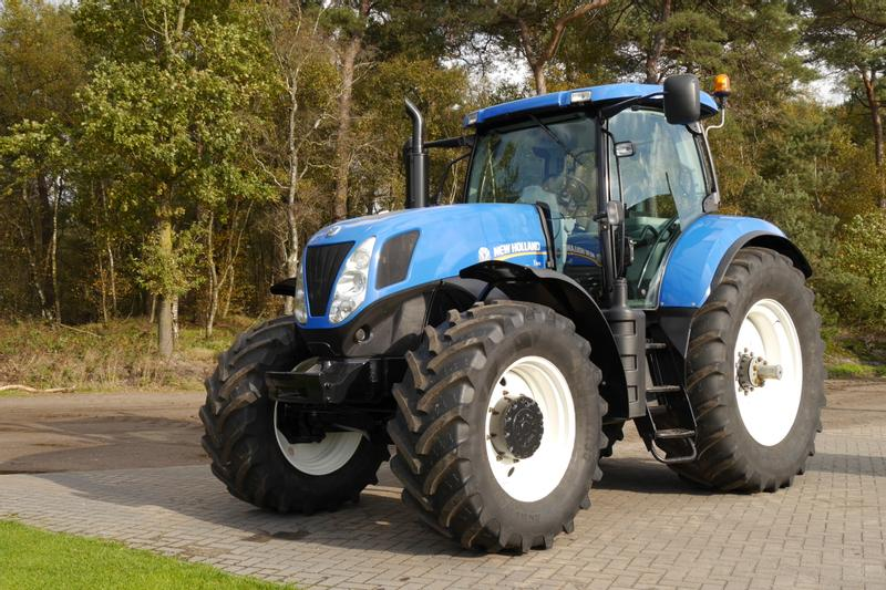 New Holland T7040 PC