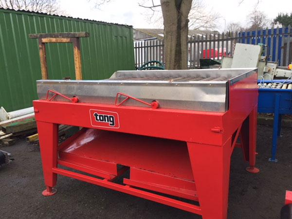 "Tong sponge drier, 48"" wide x 15 rollers."