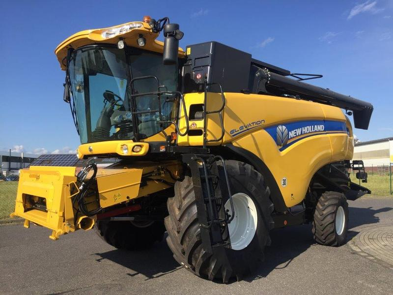 New Holland CX 7080 Elevation