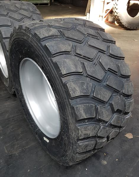 Longmarch 445/45R19.5 Complete with wheel