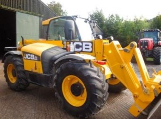 JCB TELESCOPIC HANDLERS & FORKLIFTS & ATTACHMENTS FOR HIRE