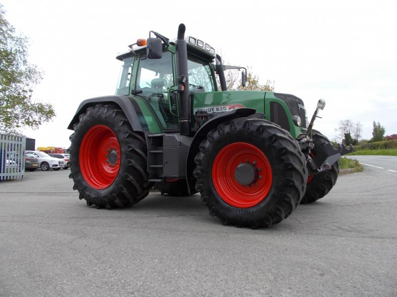 Fendt 820 Vario Tractor for sale