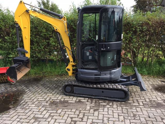 New Holland E26 BSR