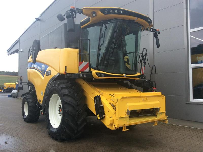 New Holland CX 7.90