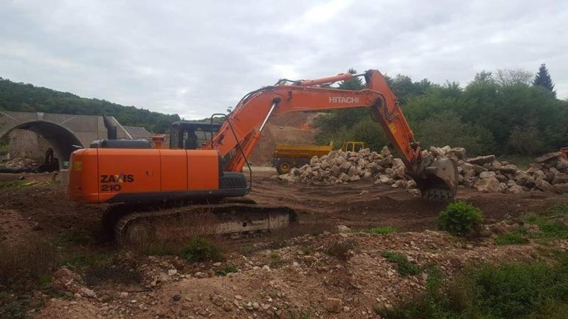 Sonstige / Other Hitachi ZX 210 LC 5